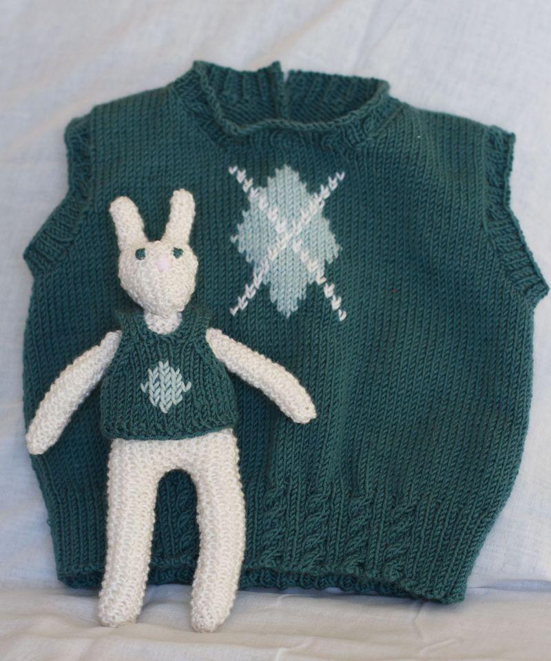 Argyle_vest_bunny_1
